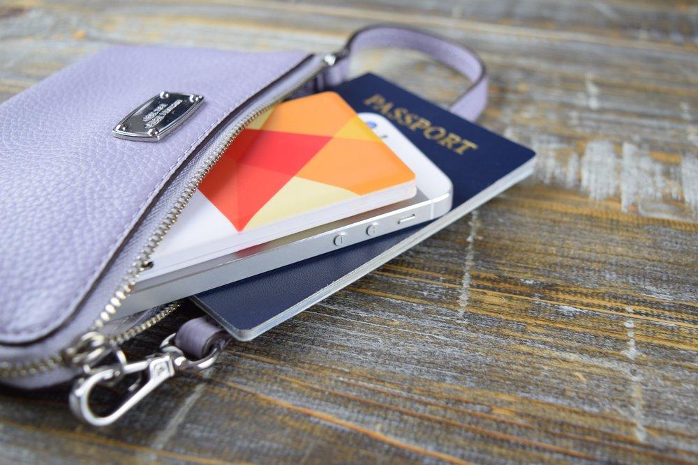 Juicebox :: Ultra-slim portable phone charger