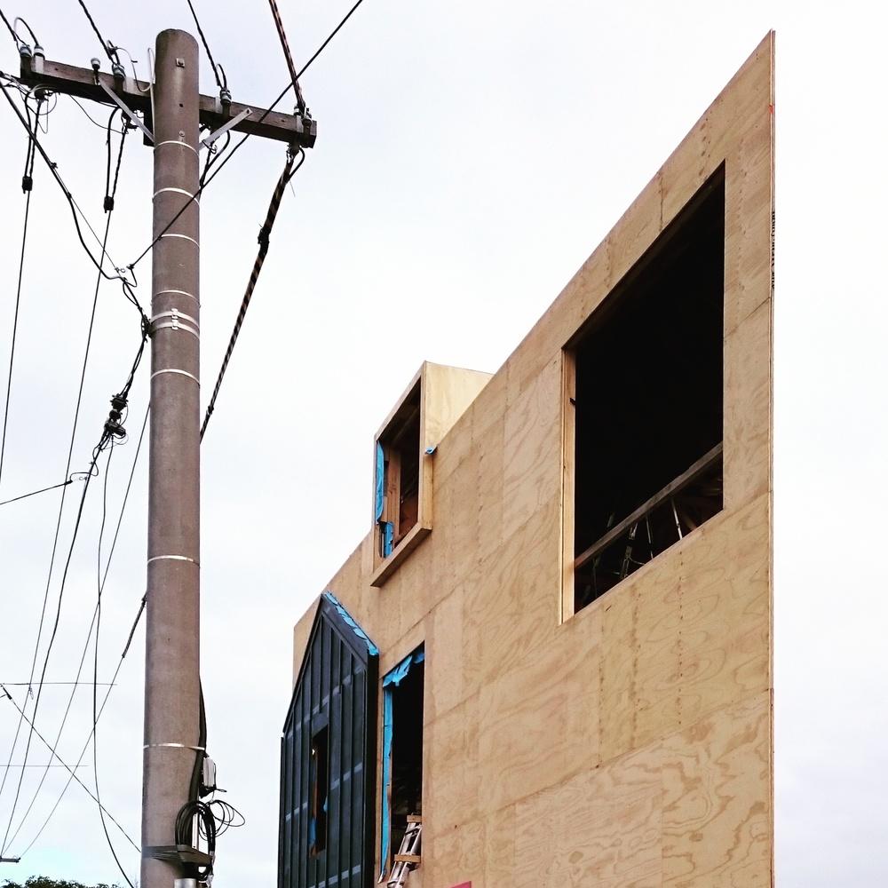 oof-acute-house-onsite-150610