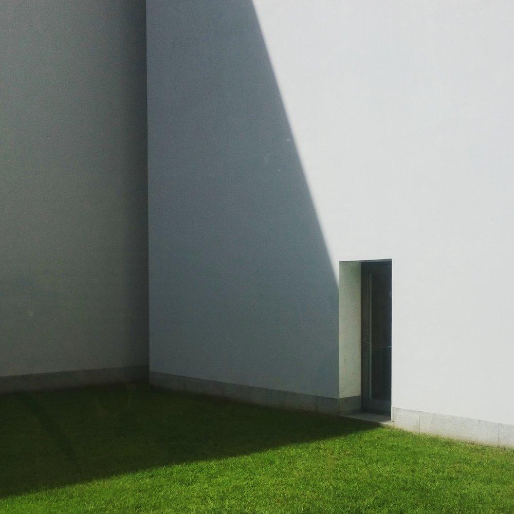 Museu de Arte Contemporânea de Serralvesby Alvaro Siza | photo Fooi-Ling Khoo