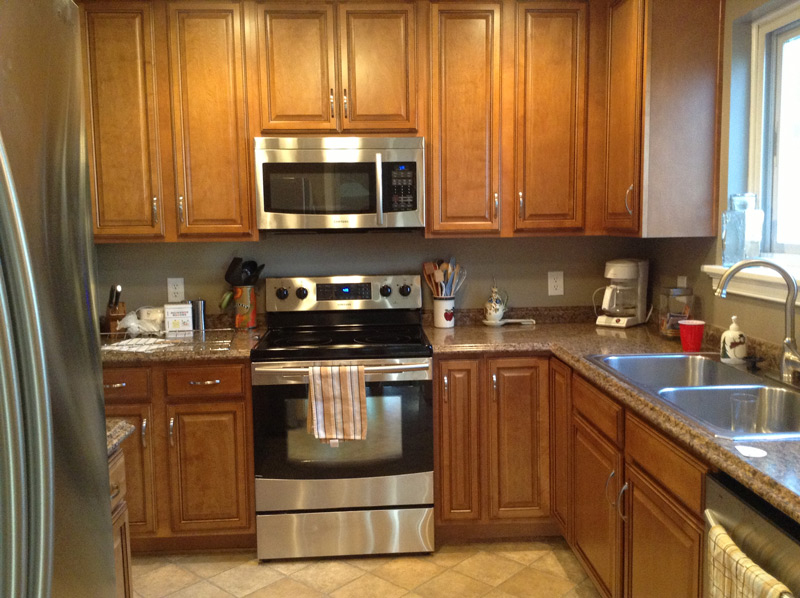 Maple Cabinets, Stainless Steel Appliances