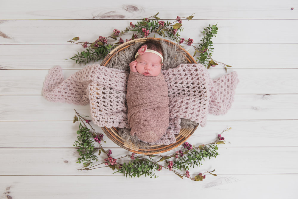 floral newborn photo