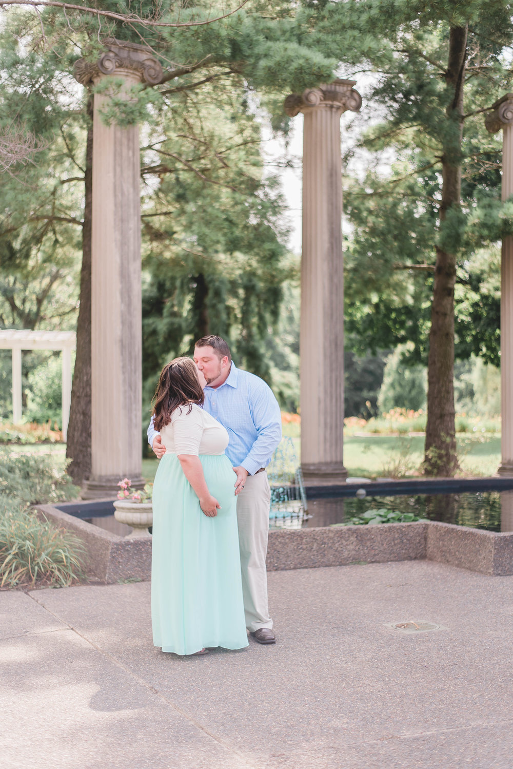 outdoor maternity session columns