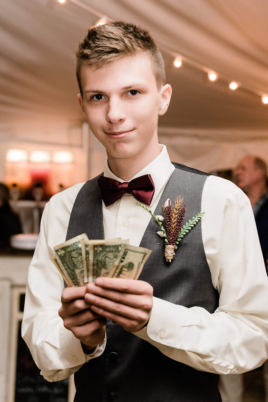 money dance