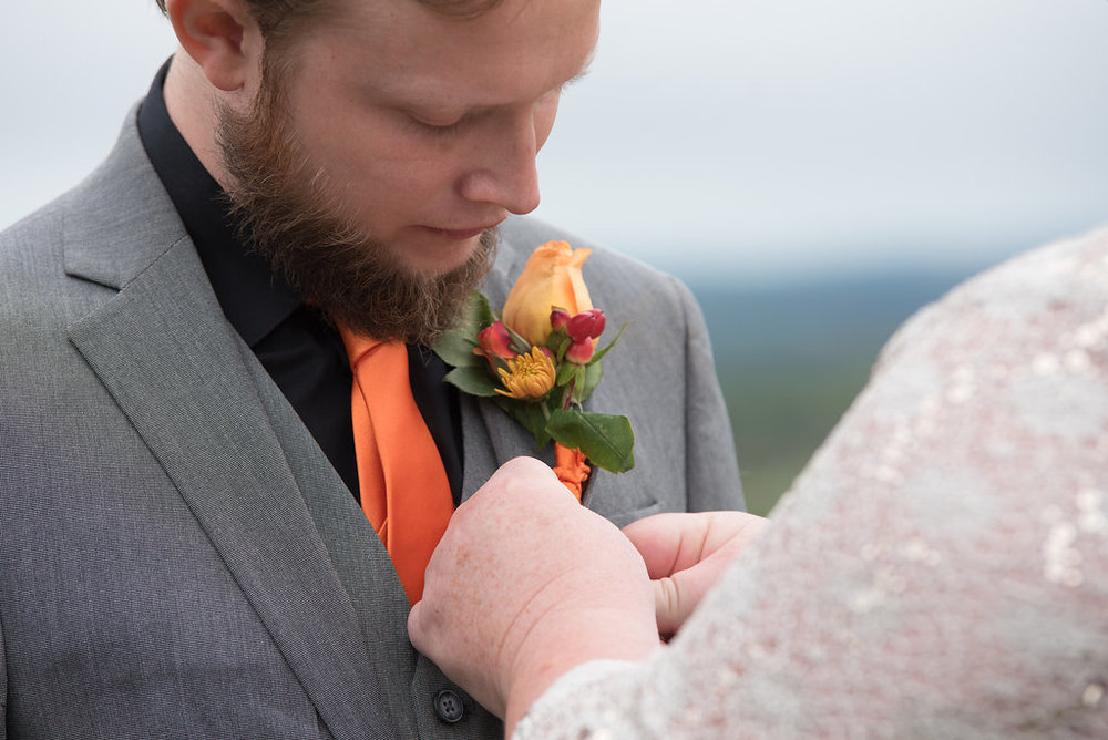 groom-boutonniere-wedding-details-canajoharie-ny-wedding-ym-photography