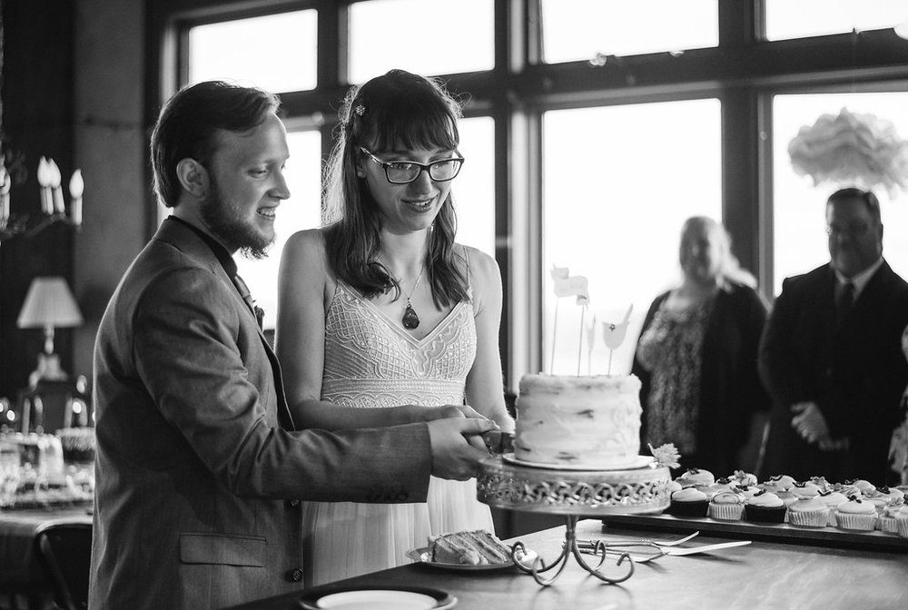 cake-cutting-canajoharie-ny-wedding-ym-photography