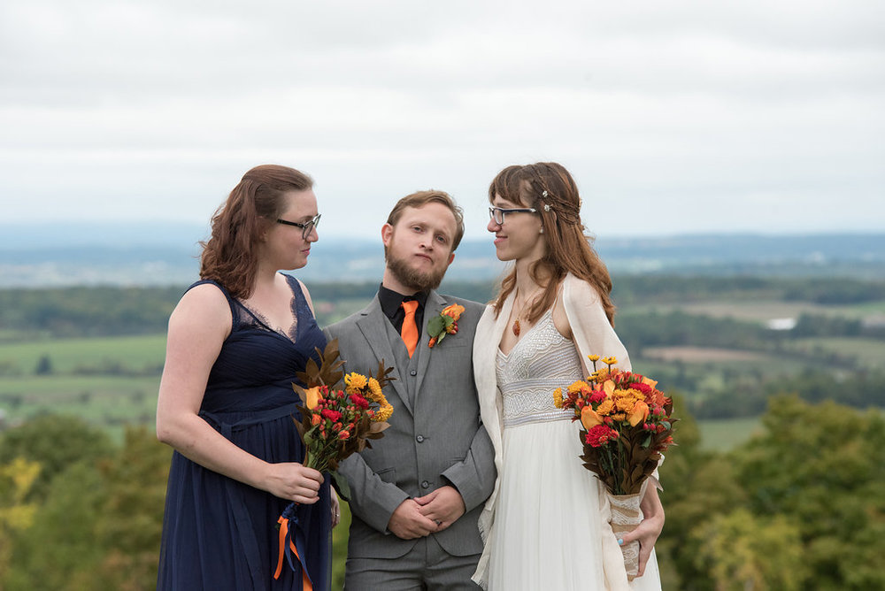 brides-maid-bride-groom-canajoharie-ny-wedding-ym-photography