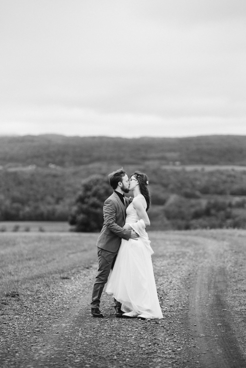bride-groom-b&w-canajoharie-ny-wedding-ym-photography