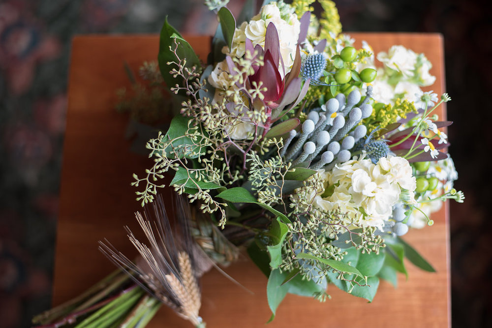 bridal-bouquet-golden-arrow-lakeside-resort-lake-placid-ny-wedding-ym-photography