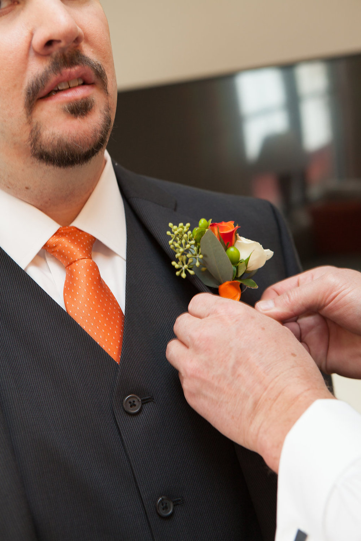 groom-getting-ready-saratoga-springs-wedding-national-museum-of-dance