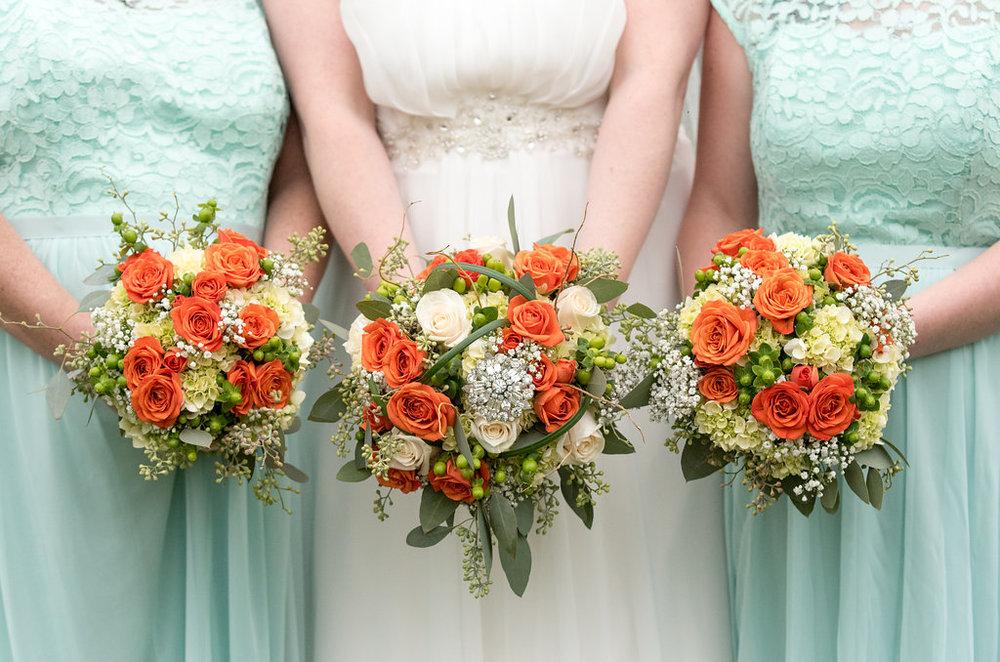 bridesmaids-bridal-bouquet-saratoga-springs-wedding-national-museum-of-dance