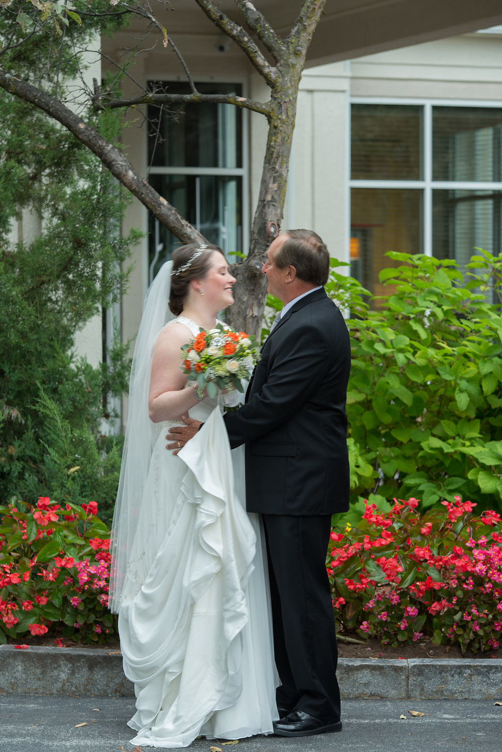 bride-father-first-look-saratoga-springs-wedding-national-museum-of-dance