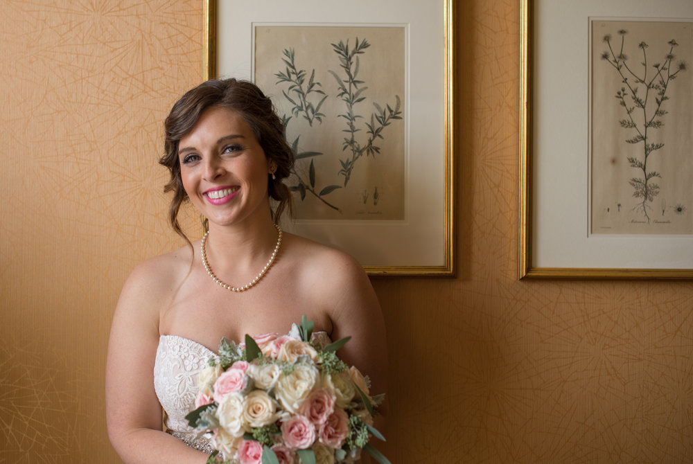 bride-final-look-sagamore-resort-lake-george-ny-wedding-ym-photography