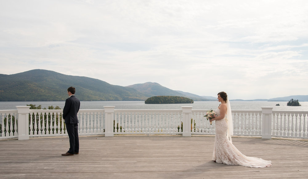 first-look-lake-george-sagamore-resort-lake-george-ny-wedding-ym-photography