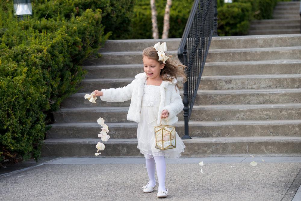 flower-girl-cermony-sagamore-resort-lake-george-ny-wedding-ym-photography