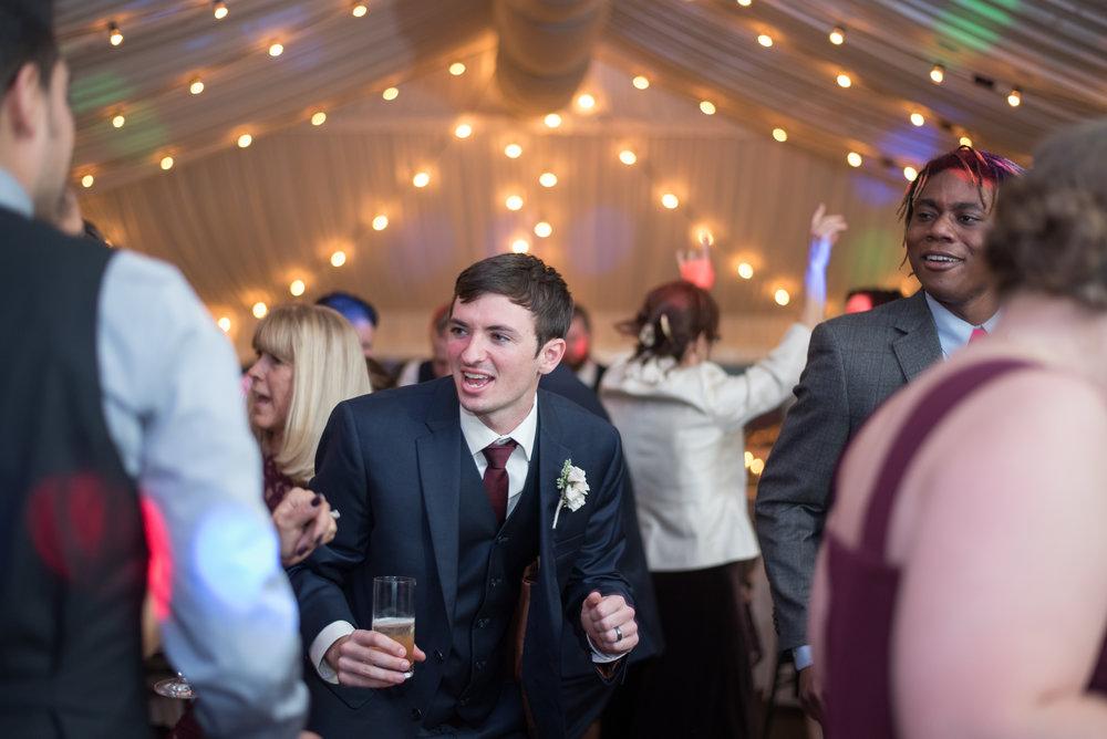 reception-groom-sagamore-resort-lake-george-ny-wedding-ym-photography