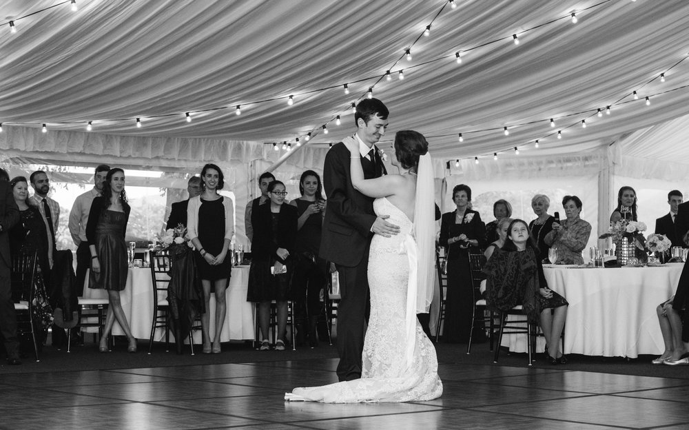 first-dance-sagamore-resort-lake-george-ny-wedding-ym-photography