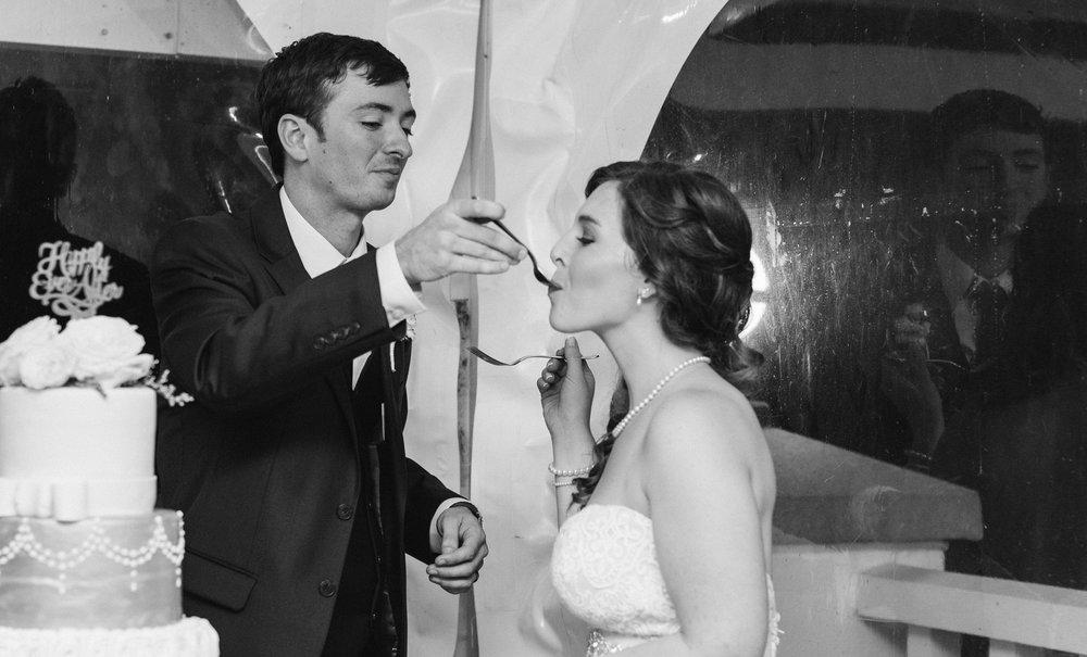 wedding-cake-sagamore-resort-lake-george-ny-wedding-ym-photography