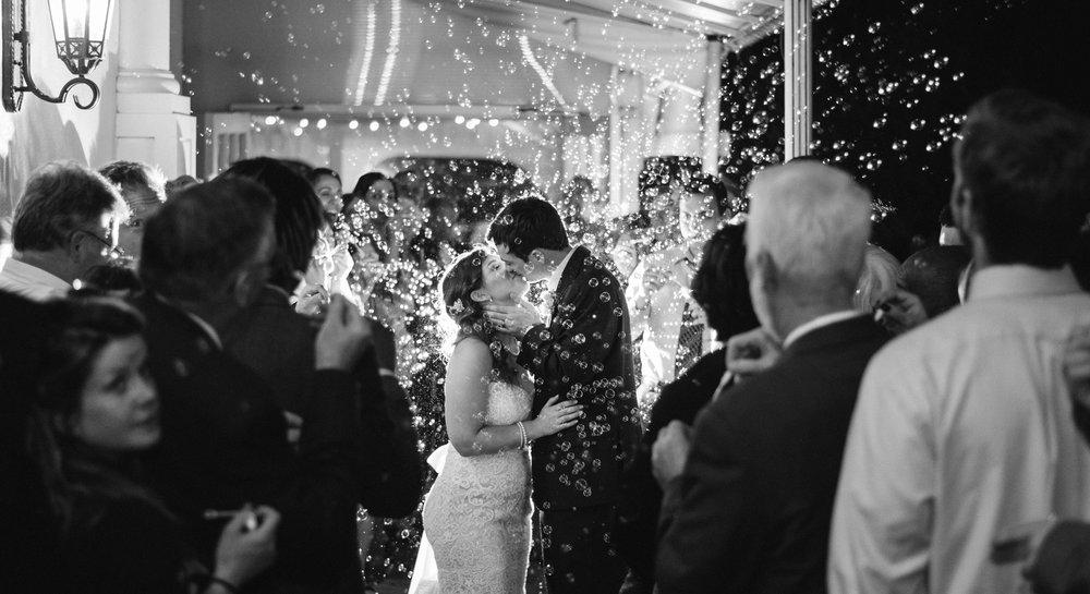bubbles-b&w-kiss-sagamore-resort-lake-george-ny-wedding-ym-photography