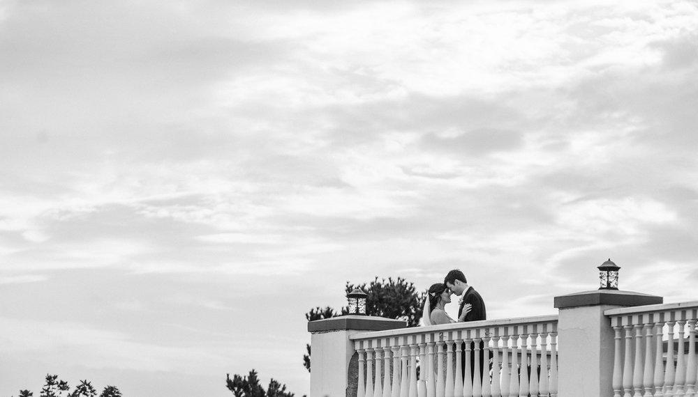 balcony-photo-sagamore-resort-lake-george-ny-wedding-ym-photography