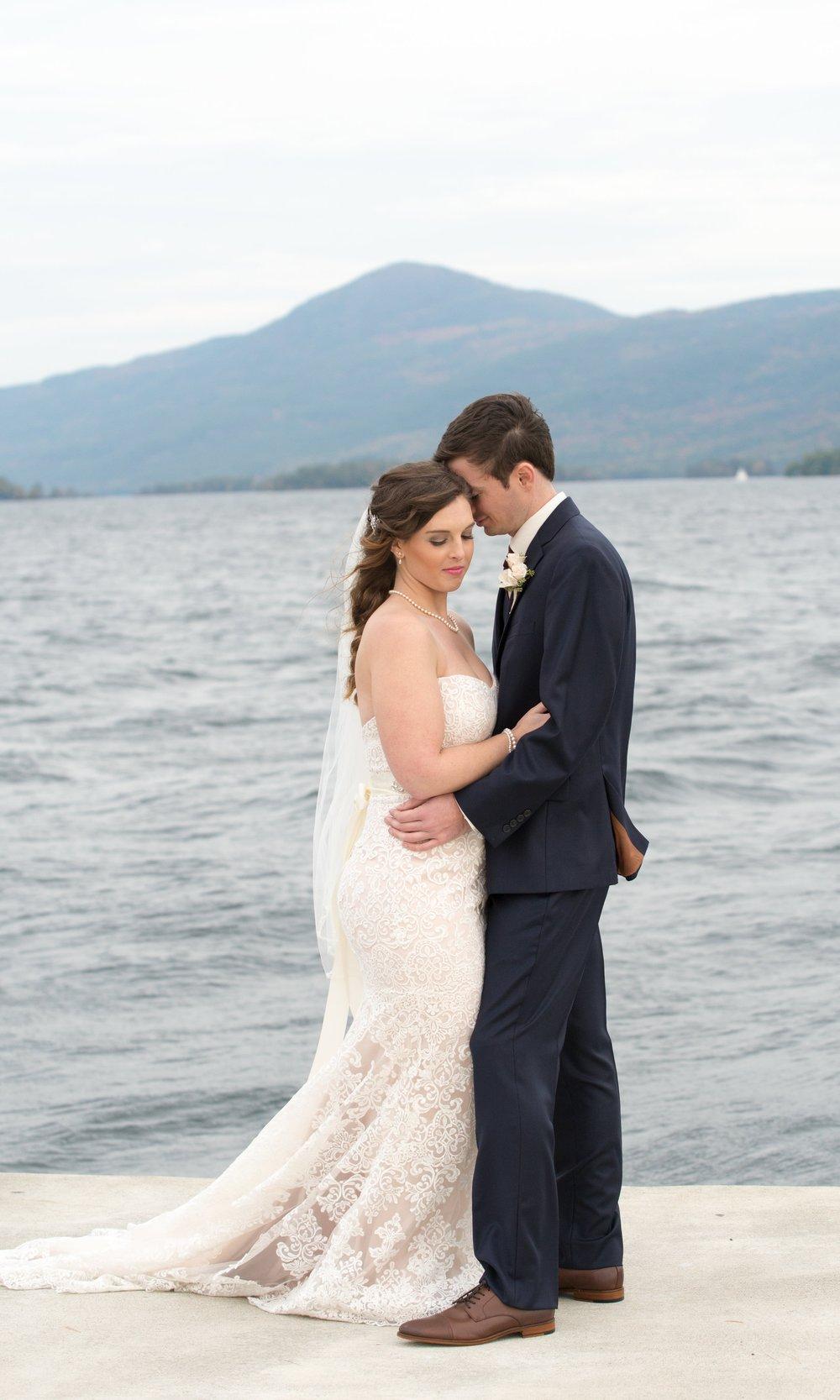 mr-mrs-lake-sagamore-resort-lake-george-ny-wedding-ym-photography