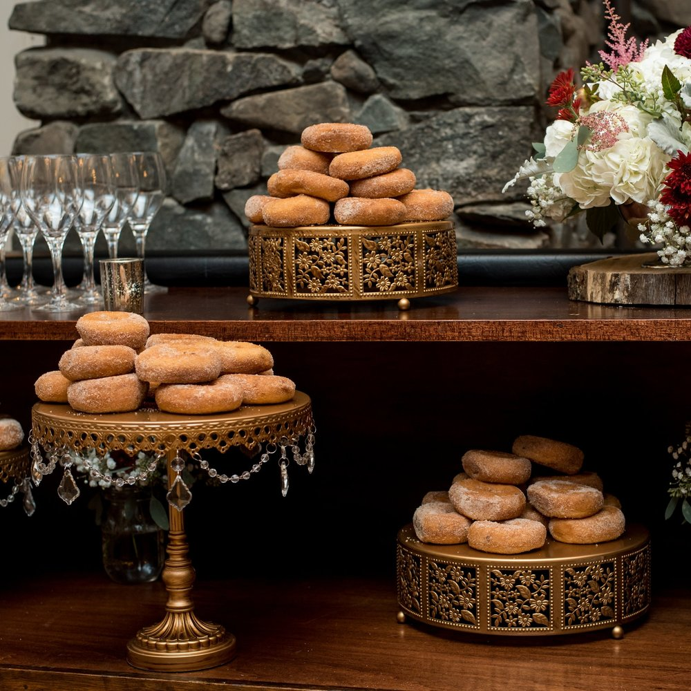 donuts-dessert-old-daley-on-crooked-lake-albany-ny-wedding-ym-photography