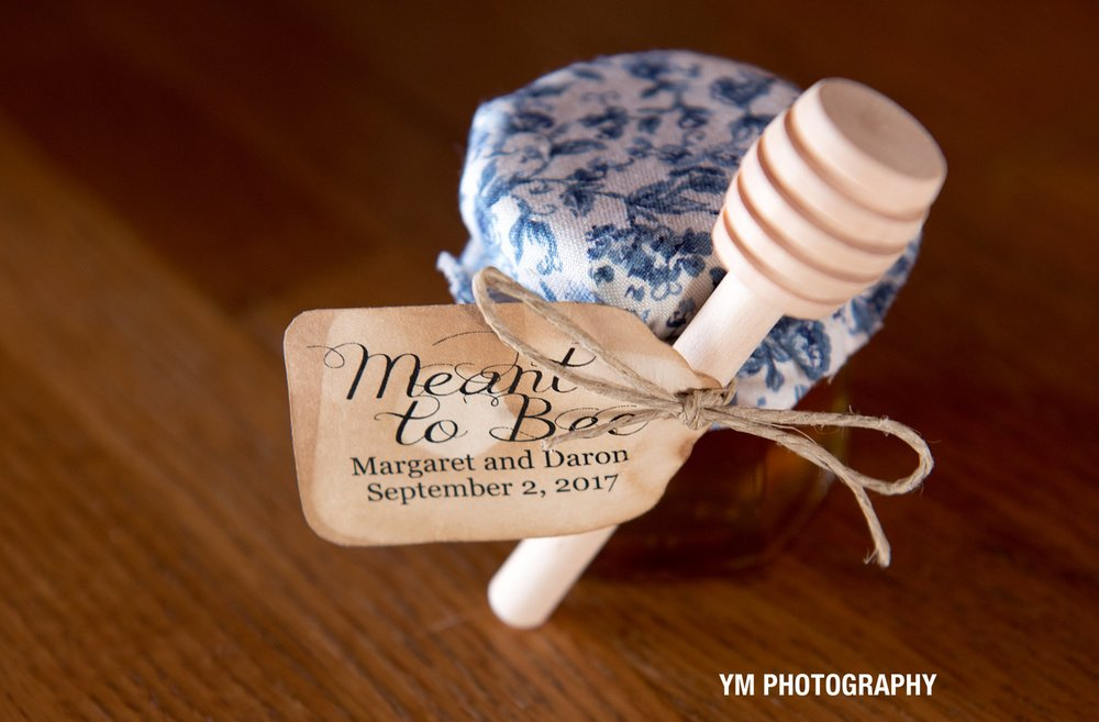 2017-10-15_0203.jpgburlap and beams wedding barn ym photography