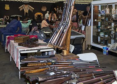 Long-Guns-and-Antiques-400x288.jpg