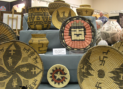 Native-American-Baskets-Hopi-Apache-400x288.jpg