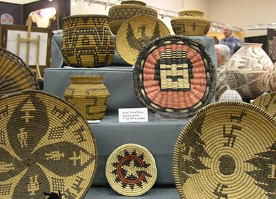 Native-American-Baskets-Hopi-Apache-400x288.jpg