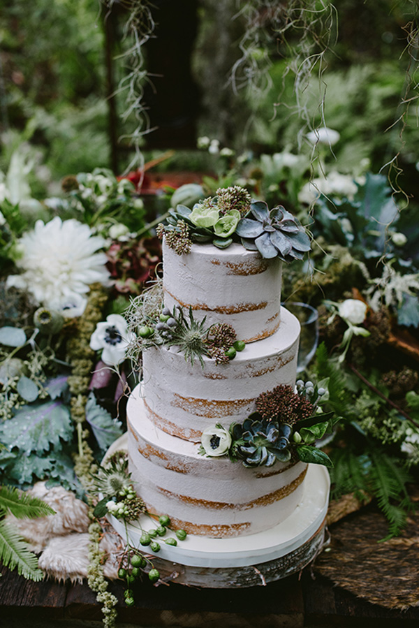 naked-wedding-cakes-decorated-with-succulents.jpg