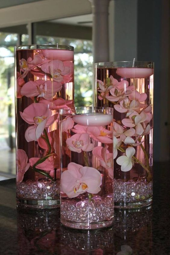 DIY-floating-candle-centerpiece-with-flower.jpg