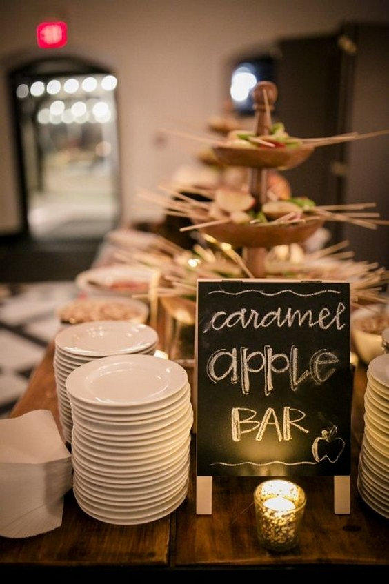 apple-pie-bar-for-fall-winter-wedding.jpg
