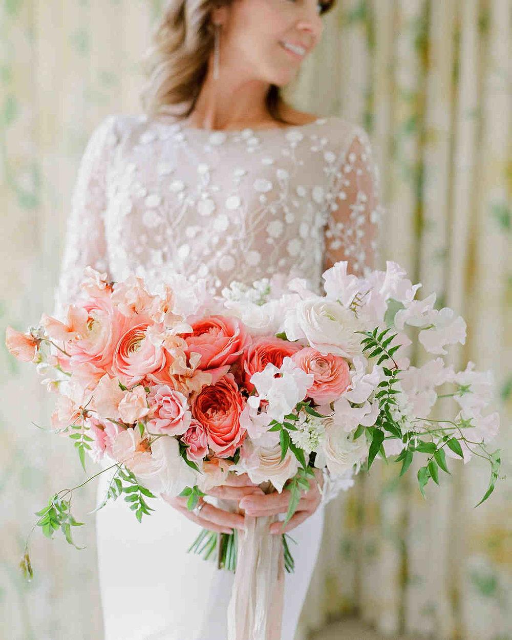 marianne-patrick-wedding-bouquet-0896570007-6452326-0118_vert.jpg