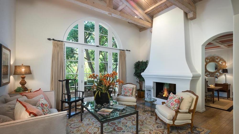<h3>Montecito</h3>$2,400,000