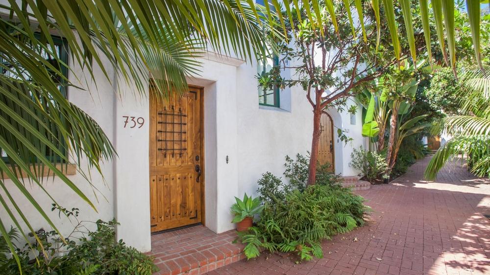 <h3>Santa Barbara</h3>$780,000