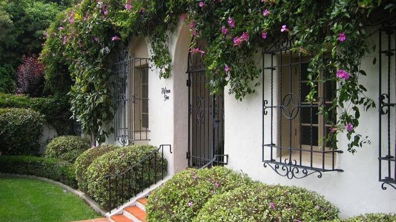 <h3>Montecito</h3>$3,800,000