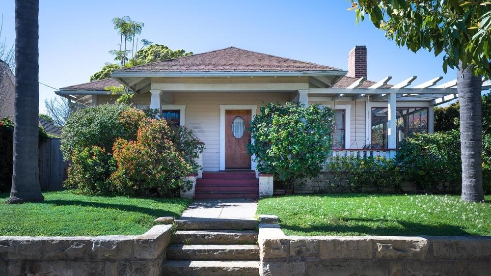 <h3>Santa Barbara</h3>$830,000