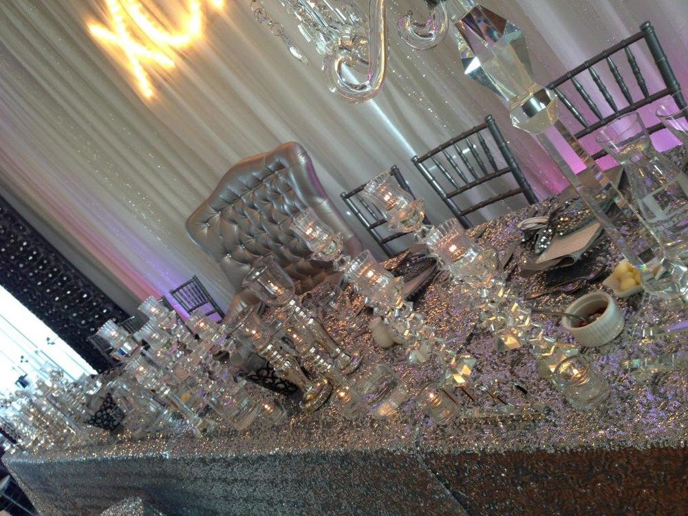 Custom Head Table Design