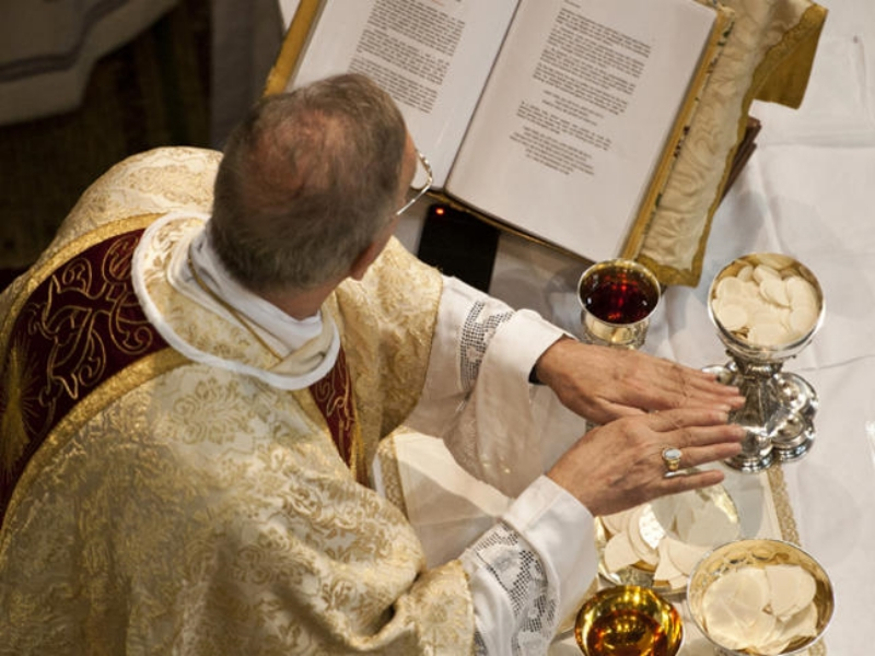 Archbishop-Mennini-Apostolic-Nucncio-during-Consecration-Prayer_large.jpg