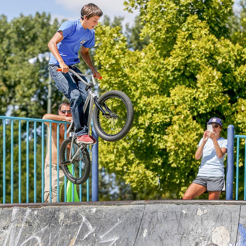 ROV_biketrick.jpg