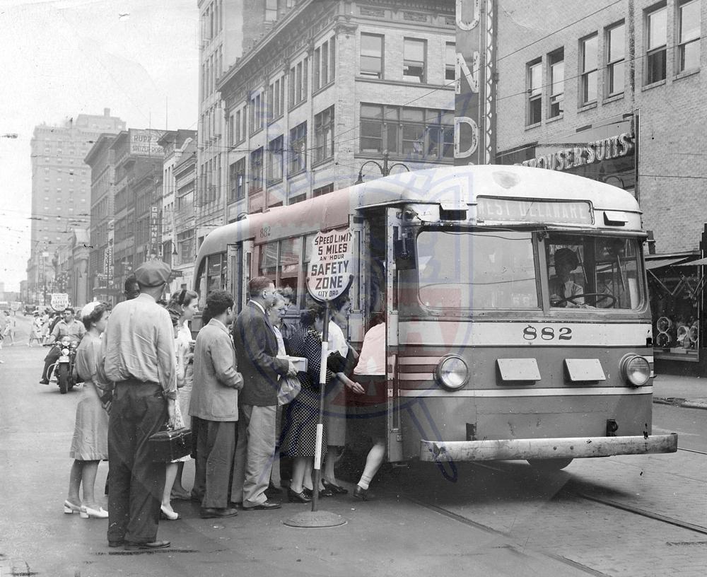 STREET CAR, 1945