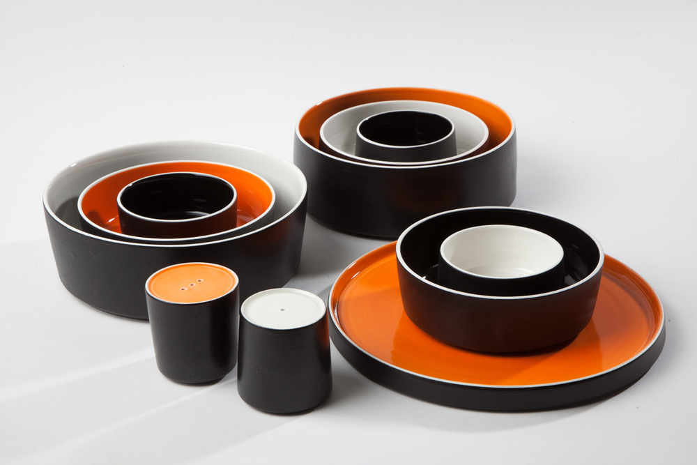 STRIKING DESIGNS - TABLEWARE