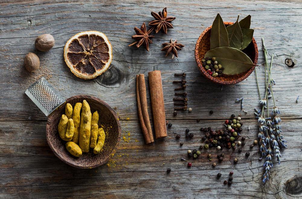 Ground Cinnamon & Nutmeg