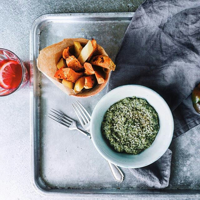 A vegan Pea & Broccoli Pesto by @schlangenhautx