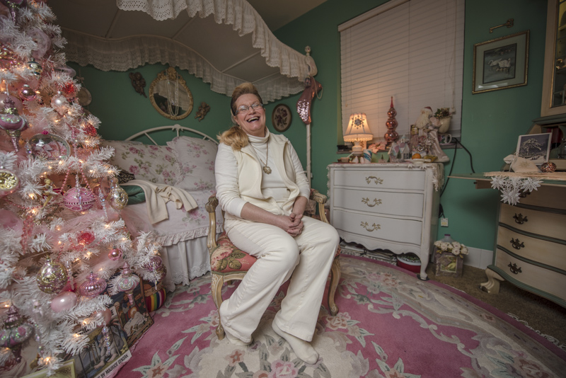 House Mom Marit sits in her apartment bedroom at Kappa Delta on Wednesday, November 7, 2016 in Columbia, Mo. Photo by Morgan Lieberman © 2016