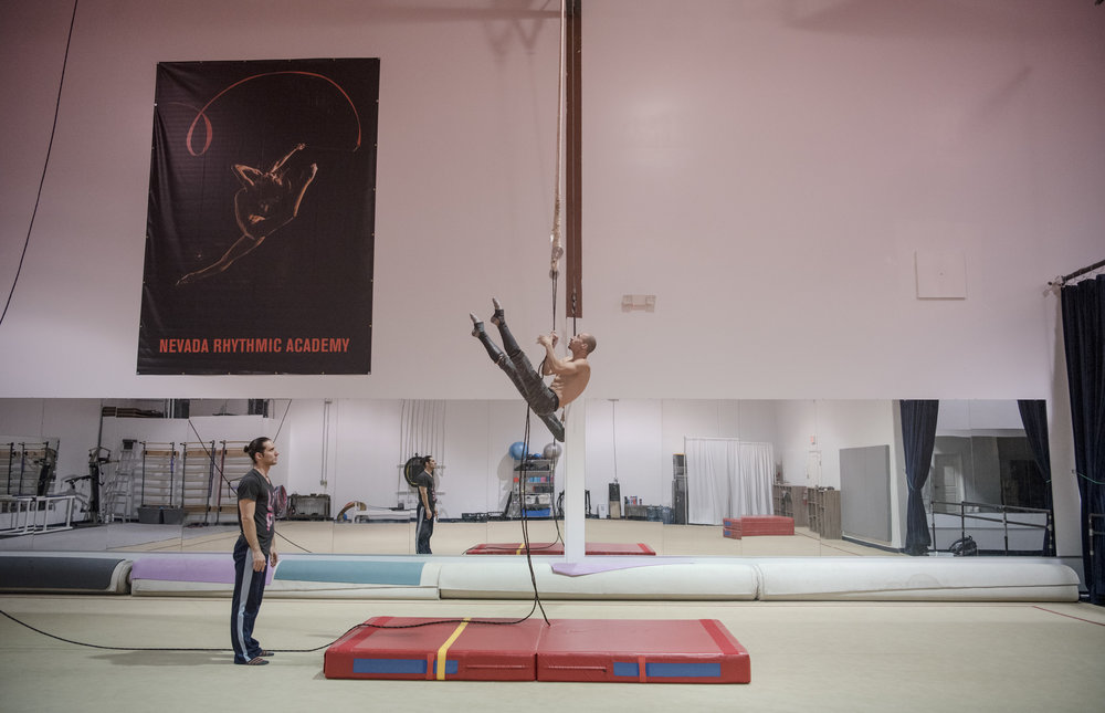 Maximiliano Torandell watches the trapeze performance of Andrey Mantchev at Nevada Rhythmic Academy on Wednesday, Aug. 2, 2017, in Las Vegas. Morgan Lieberman Las Vegas Review-Journal