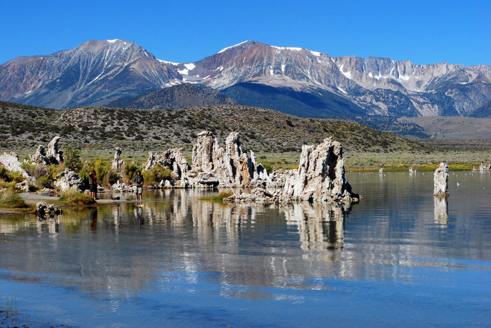 MONO_LAKE_MOUNTAINS_02.jpg