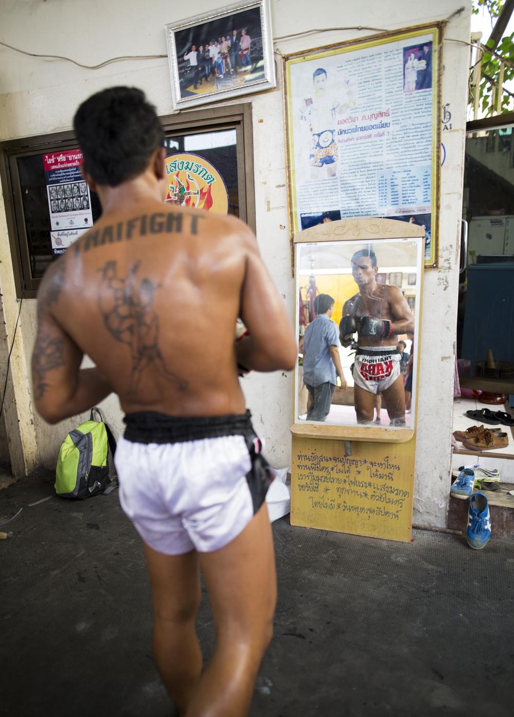 Meters_Running_Bangkok_Cambria-6919.jpg