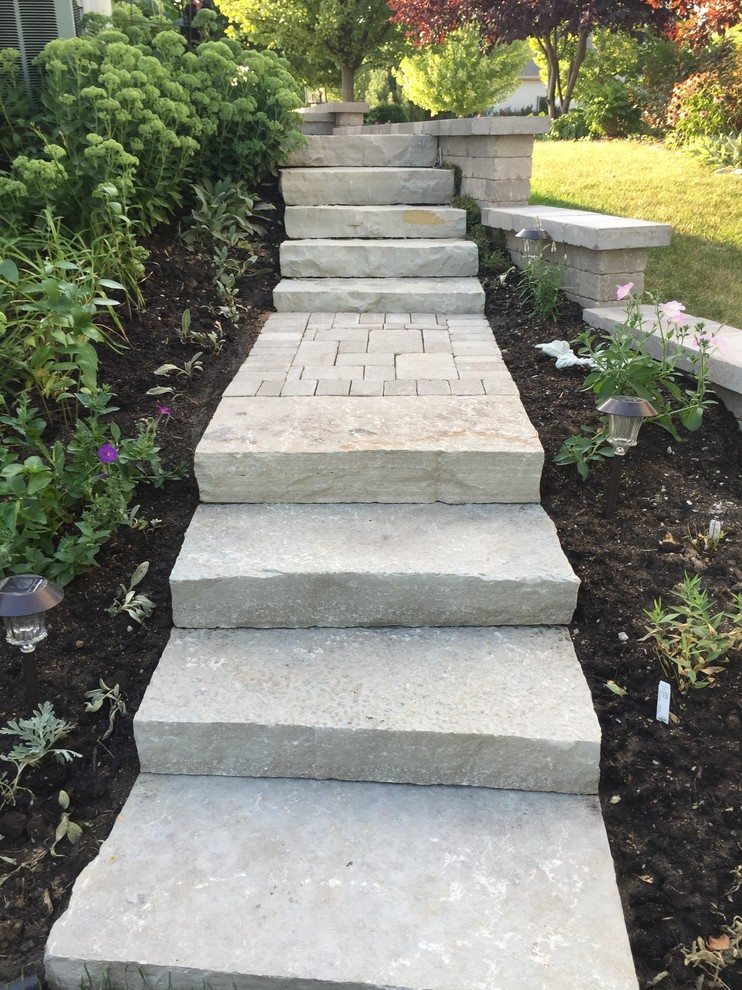 Side Yard Slopes, Steps and Pathways