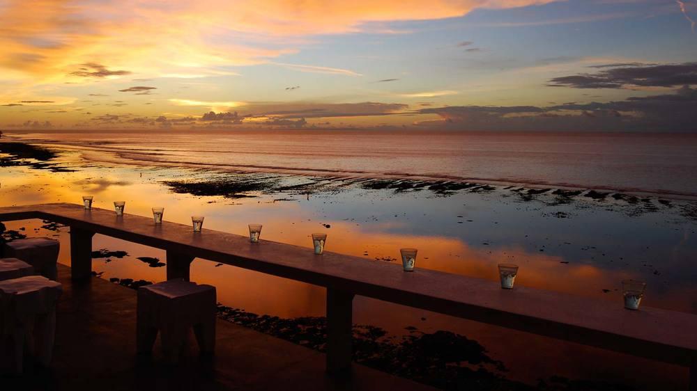 MORABITO-ART-CLIFF-Bali-Bingin-Terrasse-sunset.jpg